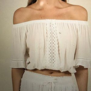 White crochet trim crepe off-shoulder crop top, M